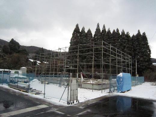http://arimura-koumuten.com/blog/ime/%E4%BB%AE%E8%A8%AD%E5%B7%A5%E4%BA%8B.jpg